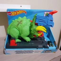 pista hot wheels atak do triceratop NOVA