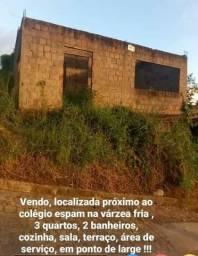 VENDE SE CASA EM PONTO DE LAJE