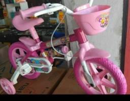 Bicicleta ta nova minha filha tem medo ?