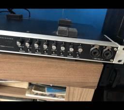 Placa de áudio para studio com 16 canais