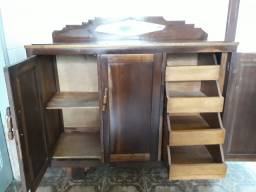 Armario para cozinha  em madeira imbuia bem antiga
