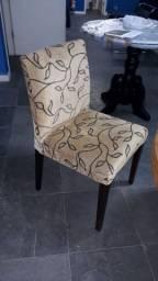 Cadeira estofada madeira e tecido