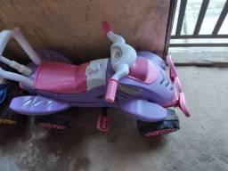 50 Quadriciclo infantil