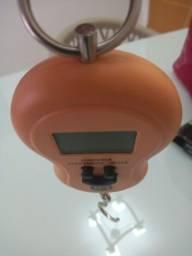 Título do anúncio: Balança portátil  digital a pilha  pendulo 50 kg HM