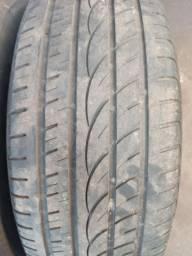 Dois pneus 265/65/17