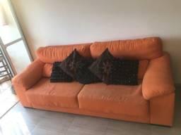 Sofá grande confortável