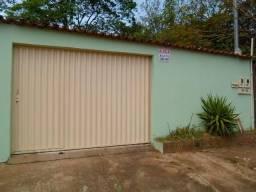 Casa 2/4 Rua São Luiz - Jardim Petrópolis