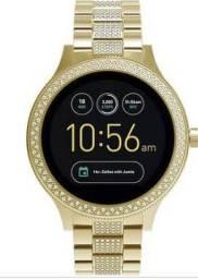 9441882f2f0 Smartwatch Fóssil Gold - Q Venture Geração 3 Com Strass