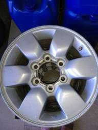 Roda aro 15 Hilux usada