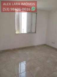 Apartamento para Venda em Pelotas, Centro, 3 dormitórios, 1 banheiro