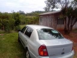 Clio sedan - 2002