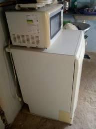 Vendo máquina de louça e microondas aceito cartão