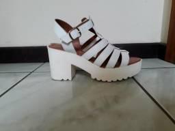 Sapatos 37 novo