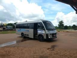 Vendo um micro ônibus w8 ano 2010 super conservado completo