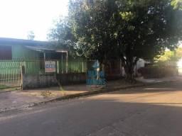 02 casas em grande terreno de esquina próximo a AV principal de Cachoeirinha