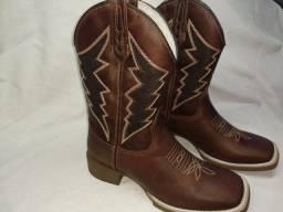 Vendo botas texanas, e botinas