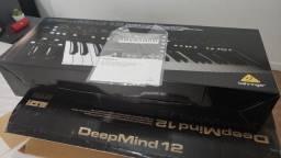 Teclado sintetizador Behringer Deepmind 12