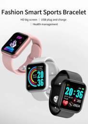 Relógio smartwatch d20 além de um design e lindo e leve ele também possui diversas funções