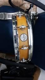 Bateria feita pelo Luthier Fuca Gomes Maxter Drums com peças Tama e Mapex