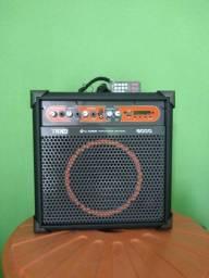 Caixa de som profissional amplificada