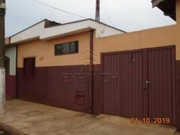 Casa para alugar com 2 dormitórios em Alvorada, Sertaozinho cod:L8657