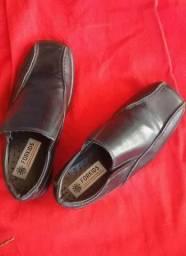 Sapato social masculino infantil semi novo