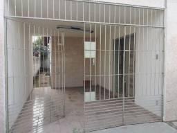 Alugo Casa no Bairro Cabral