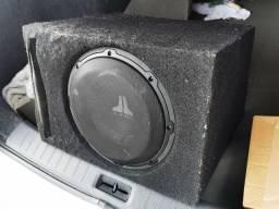 Subwoofer Jl áudio 10 polegadas caixa de madeira.