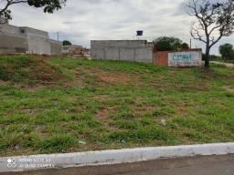 Lote 294mts, Residencial Itaipú, na avenida, contra esquina