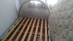Vendo cama de casal usada
