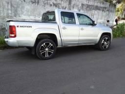 Vendo linda amarok 2017 4x4 diesel completa.fazemos financiamento.