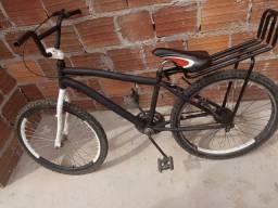 Bicicleta aro 24 esta apenas com a jante do fundo inpenada