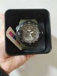 Título do anúncio: Relógio skmei original 5ATM na caixa para presentear