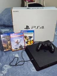 PS4 Slim + 5 jogos
