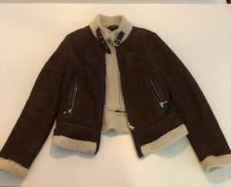 Jaqueta em camurça e forrada com lã -