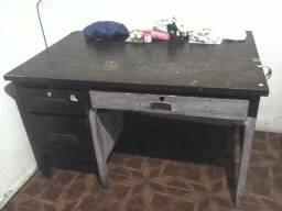 Título do anúncio: Mesa de madeira maciça escritório