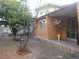 Oportunidade - Casas e sala comercial Setor dos Aeroviários - urgente