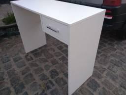 Mesa com gaveta,escrivaninha,mesinha
