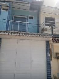 Linda casa de 3 quartos  e 2 banheiros em condomínio fechado