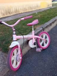 Bicicleta infantil pouco usada em bom Estado de conservação