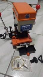 Título do anúncio: Máquina Copiadora De Chaves Pantográfica - 220v 60hz 180w NOVO