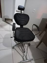 Título do anúncio: Cadeira de cabeleireiro e barbeiro