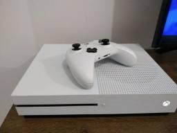 Xbox One S + Jogos ( Ate 12x com acrescimo )