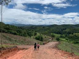 EV venha com sua família conhecer nossos terrenos em Piracaia SP