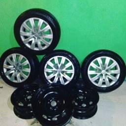 Jogo de rodas e pneus aro 15/ leia o anúncio