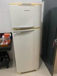 Refrigerador Electrolux 440L