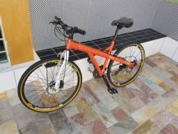 Bicicleta montada aro 26
