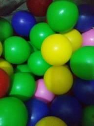bolinhas para pescina de varias cores 200 unidade
