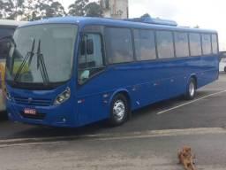 Onibus rodoviario com ar condicionado motor dianteiro