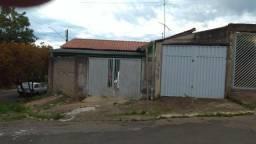 Duas casas em Cosmópolis-SP, aceita permuta c/ imóvel de maior valor. (CA0114)